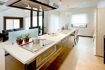 キッチンは上質感に溢れ使い心地にも配慮
